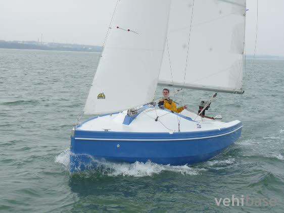 Do you have more pictures for this sailboat Hunter H20 Sport ? or you may ...