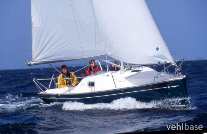 Do you have more pictures for this sailboat Jeanneau Sun 2000 ? or you may ...